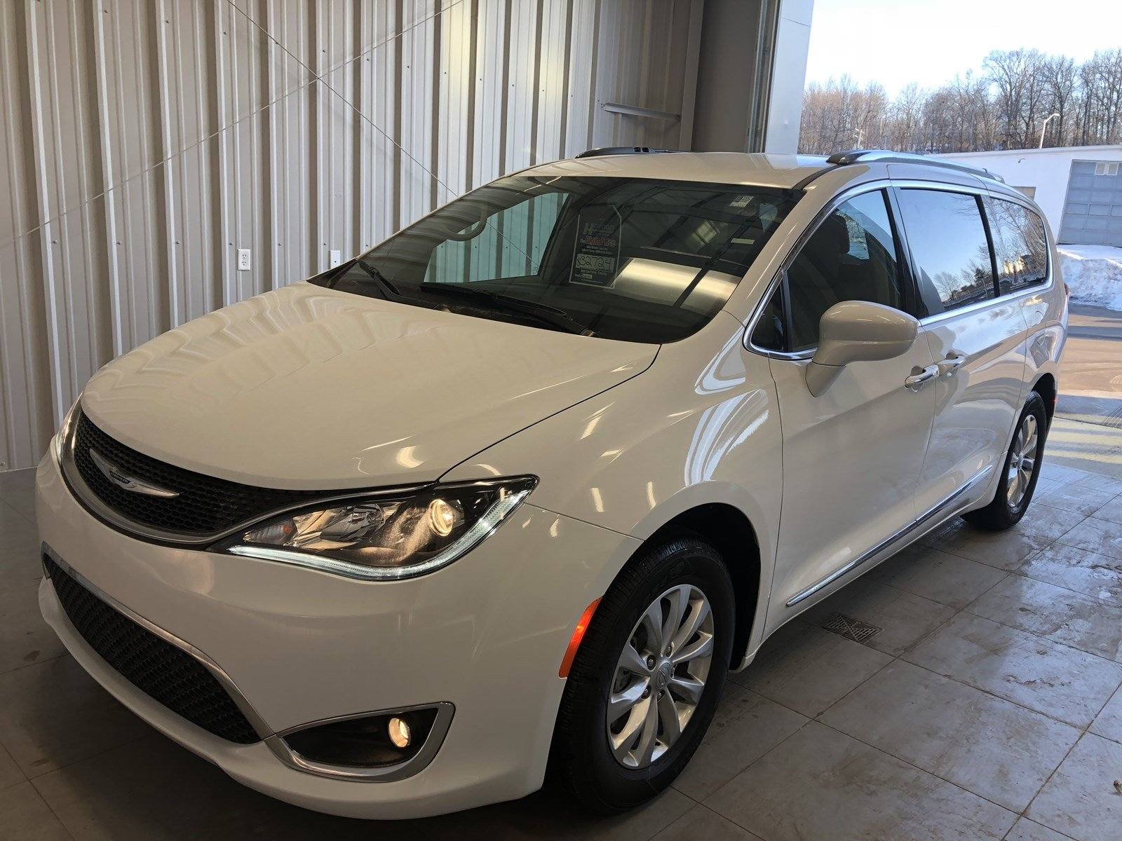 new in passenger inventory enfield fwd pacifica limited chrysler van